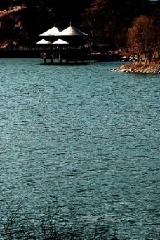 湖中双亭图片