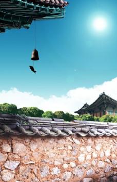 蓝天白云屋檐围墙