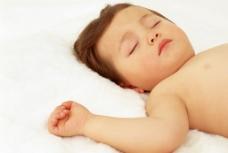 熟睡的宝宝图片