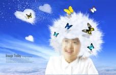 长着白色头发的男孩和蝴蝶
