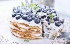 蓝莓夹心蛋糕图片