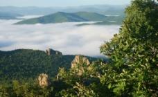 喇嘛山云雾图片