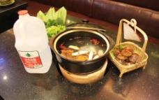 三鲜锅图片