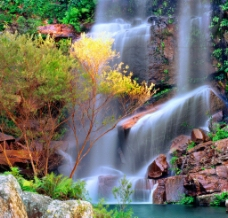 漂亮的瀑布图片
