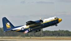 c 130运输机图片