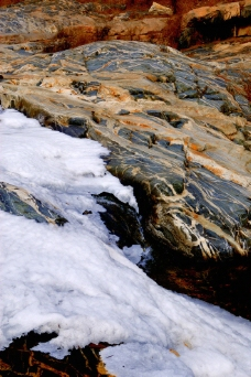冰雪彩石图片