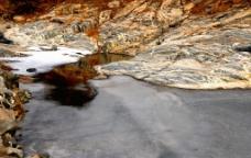 冰雪彩石溪图片