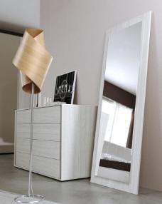穿衣镜 卧室图片