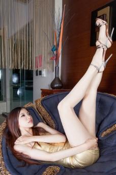 丝袜短裙美女图片