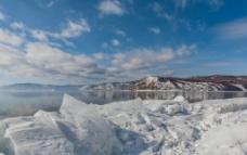 湖畔冰雪图片