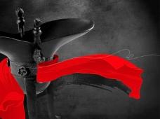 古代酒樽与鲜艳红绸带PSD分层素材