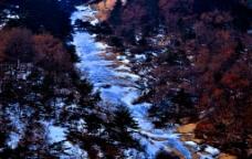 大山的冬天图片