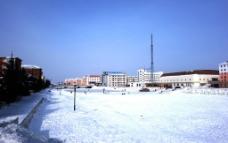 世纪广场河冬景图片